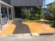 枕木風+岩肌風のスタンプコンクリート