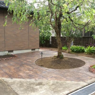 除草対策で2種類のスタンプコンクリート画像1
