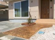 スタンプコンクリートと花壇の相性