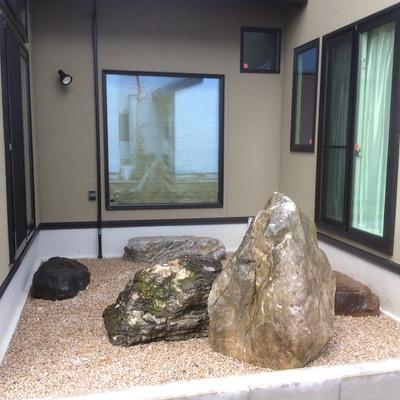 庭石と沓脱石画像1